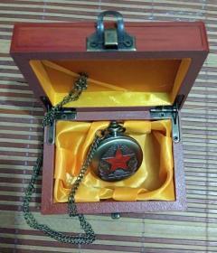 中国人民解放军(八一怀表)精美工艺礼品