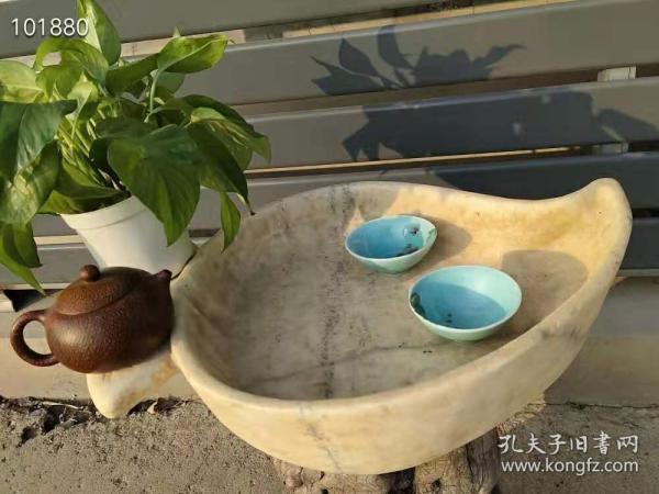下乡偶得【民国汉白玉茶台】,石质透明,保存完整无磕碰,造型独特,包老!