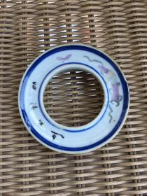 民国 暗八仙粉彩茶杯托直径9高2.3cm。品相完美。