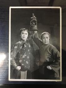 【老照片】八大样板戏《红灯记》剧照 定妆照1970年石少华摄 刘长瑜饰铁梅 高玉倩饰奶奶