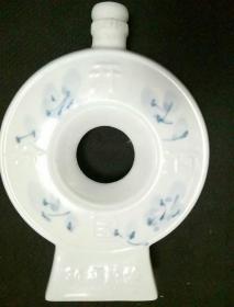 开国汾酒三十年陈酿瓷酒瓶