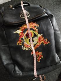 初弎,中式潮牌,复古国风中国龙刺绣狮子头双肩背包,邮费按实际算。