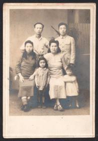 民国老照片,一家人合影照