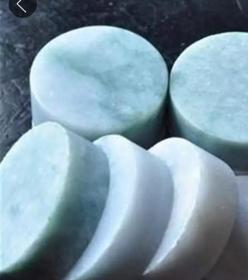 5块大型翡翠a货玉雕单个直径5厘米厚1.8厘米5块的价格