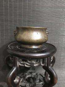 清代传世宣德年制款狮耳铜香炉,包浆熟美,内膛干净,底款犀利,尺寸见图,重752克,品貌如图。
