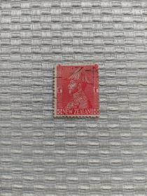 新西兰早期邮票 乔治五世元帅 移位票 1926年发行,穿元帅服军装像的 英国国王乔治五世 1840年2月6日,英国迫使毛利人族长签订《威坦哲条约》,1856年,新西兰成为英国的自治殖民地,1907年成为自治区,到了1947年完全独立。英国殖民地邮票