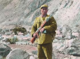 西藏老照片,喜马拉雅山上筑路的军人相册,主人公铁道兵五好证书,此为补图参考,勿订,预定请到正单