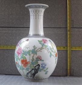 出口创汇期精品【陈设重器】:景德镇制手绘牡丹天球大瓶