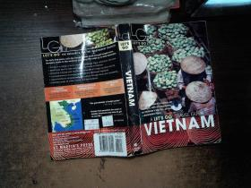 LETS GO  VIETNAM   有水印书角破损