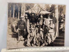 民国时期原版老照片:男子合影