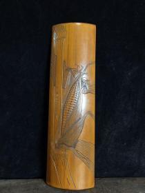 竹雕臂搁,长28厘米,宽8厘米,重140克,280