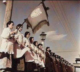 日本鬼子奴化训练中国女人老照片30张5吋的