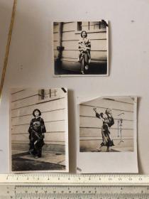 民国抗战时期原版老照片:和服女子慰问演出照片3张
