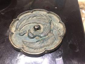 珍稀古镜系列:田野出土:罕见凤纹铜镜,一丝不苟,直径8厘米许,积锈己专业清理,完美品相。