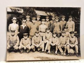 民国抗战时期原版老照片:日本鬼子日军军官士兵合影