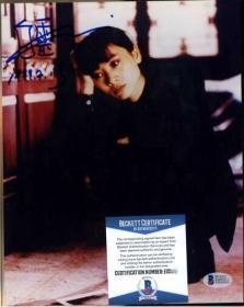 """""""华裔女星"""" 白灵 签名照片 (约8×10英寸) 由三大签名鉴定公司之一Beckett(BAS)提供鉴定"""