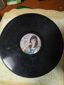 黑胶唱片==高胜美-潇洒的走中国唱片总公司,无封套,有划痕,品相自定