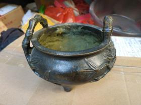 古庙竹节大铜炉,约2斤,包浆熟美。