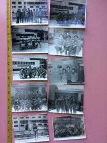 """优惠转让,照片一批,约130张,上海某厂合影,有厂长,""""为实现四个现代化而奋斗"""",比赛冠军,空中接球,旅行,军人等等(有补图)"""