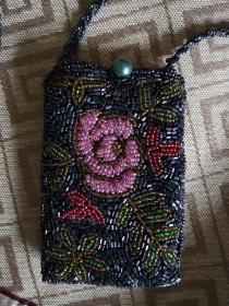 繡玫瑰花穿珠手機套