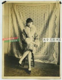 民国时期曼妙年轻女子肖像老照片,  清水出芙蓉,天然去雕饰,16.3X12.3厘米