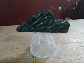 老画家所出,和田乌黑玉乌鸦皮玉山子笔架,10厘米,怪石嶙峋,古拙生动。