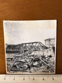 侵华日军原版老照片:被日军炸毁的铁桥