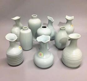 70年代年代潮州窑库存老厂货汝窑小花瓶10个 完整品美 纯出口瓷 工艺精美 存世量少 老瓷如新 值得收藏 248十个包邮