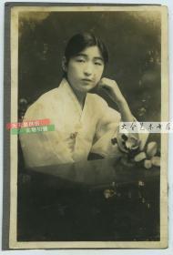 民国时期年轻女子薄衣夏装老照片