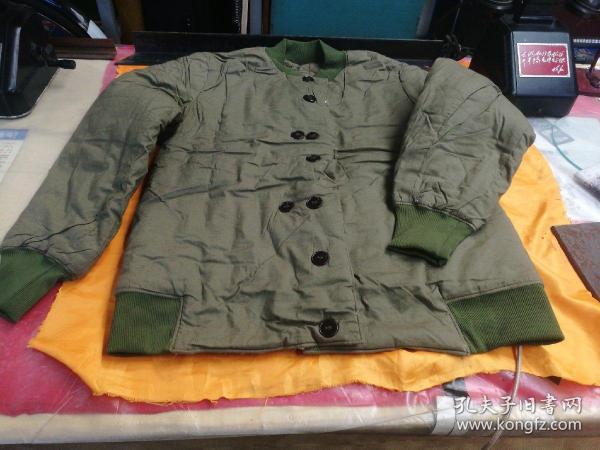八七式防寒保暖棉袄一件,全新的。3号2型。