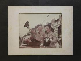 蒋介石和宋庆龄夫人合照照片