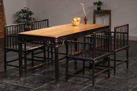老榉木画案茶桌五件套,会议桌!餐桌一套!   多层牙板做工!古朴典雅,造型骨感硬气,品相完美,家,高档会所,别墅,雅间,使用收藏,彰显主人气质非凡的魅力。上乘榉木制作,     桌子尺寸  长180宽80,高78。    现   特价  出售!