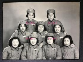老照片 美女 军人 合影 绝对是很好的照片 画质清晰