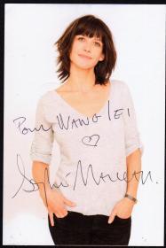 法国女神苏菲玛索亲笔签名照片15*10cm,代表作:《初吻》、《芳芳》、《安娜卡列尼娜》、《超级女特工》、《心火》、《勇敢的心》、《失去与得到》、《仲夏夜之梦》、《卢浮魅影》等。