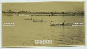 民国时期日军占领湖北汉口武汉时期,在扬子江中举办划船赛艇比赛老照片。14.9X8.9厘米