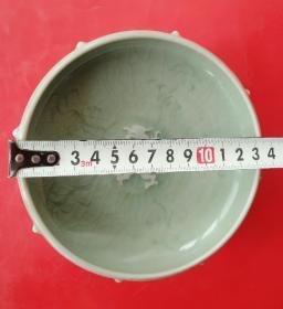 青瓷鼓钉洗