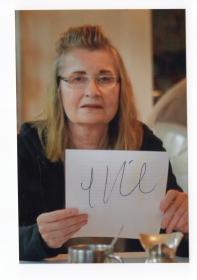 诺贝尔文学奖得主 奥地利著名女作家 埃尔弗里德·耶利内克 Elfriede Jelinek 亲笔签名照