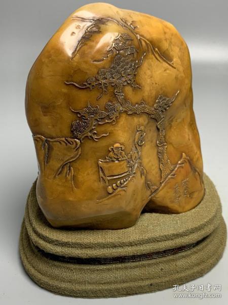 田黄寿山石山水人物(长12公分x宽9.5公分x重量992克)