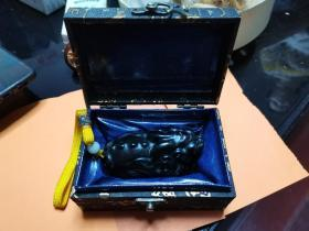 天赐良品:极品寿山石豆梗石 瑞兽摆件,9厘米,参考价见末图。