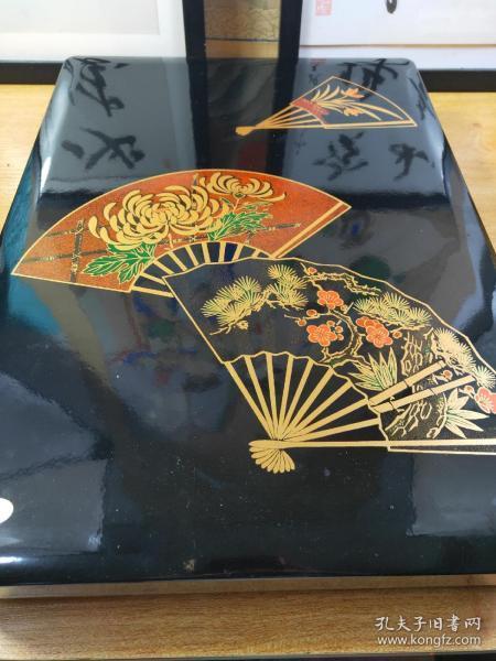 日本莳绘漆器砚盒收纳盒  漆艺 金莳绘小间纸文库 长42.5Cm宽31cm,高7Cm,双层收纳,漂亮,配外盒,保管品,未使用。