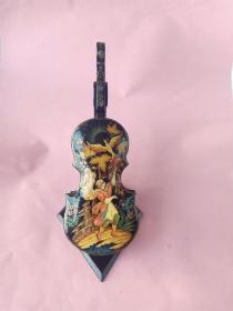 《情人节创意礼品》多网唯一,《欧洲产微型小提琴型装饰盒摆件》