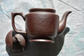 几十年历史的 喜鹊梅花 老紫砂茶壶 壶嘴有小缺
