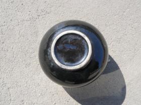 农村收来的 黑铀小罐