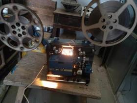 老电影放映机,甘肃产 甘光牌16毫米 一体电影放映机 品相一流  内置音响 且声音响亮  图像清晰 有影布  带试机电影胶片一部