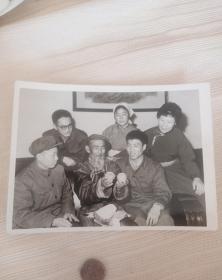 七十年代新闻老照片,内蒙古自治区伊克昭盟鄂托克旗,全国人大代表治沙愚公老牧民沙木腾