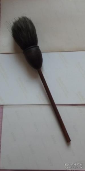 老毛笔!戴月轩 工艺极美!中间是红木制作,包浆自然完美使用过的,毛色好不烂不腐。收藏使用佳品!尺寸见图