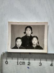 三姐妹合影照