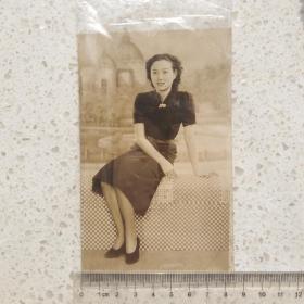 民国原版美女银盐照片 ,8.5x13.5Cm。