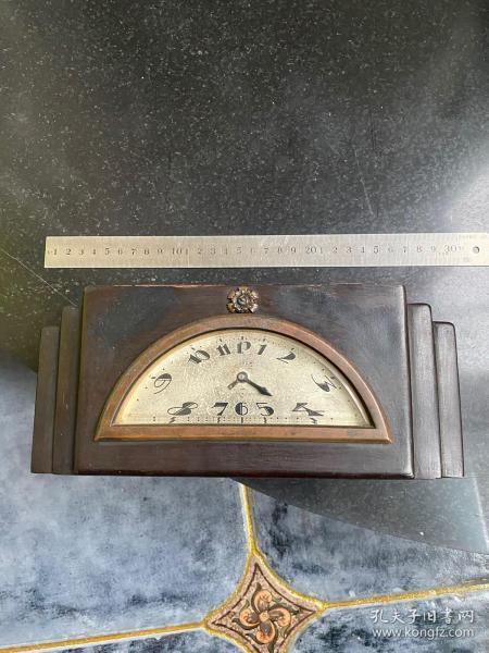 民国时期红木或檀木老钟表 内部机芯缺失外部品相不错