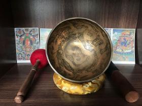 家里珍藏的尼泊尔手工颂钵